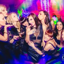 girls-party-in-cirkus-club